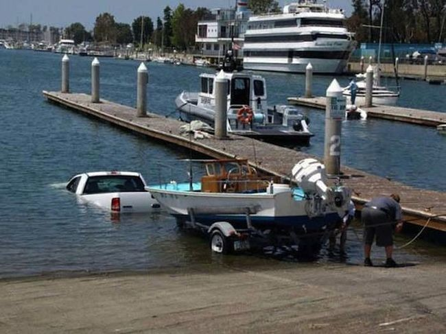 I think the boat is supposed to go in there.
